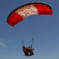 性能滑翔伞