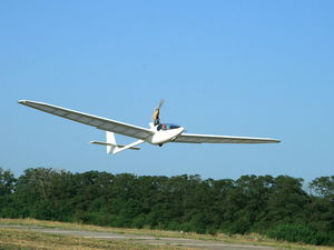 机动滑翔机