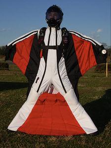 连体滑翔衣